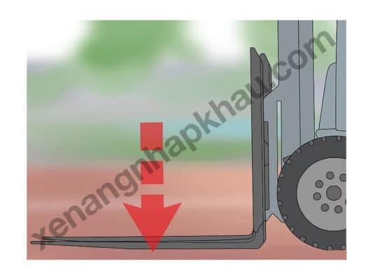 hướng dẫn đỗ xe nâng bước 2